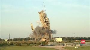 VIDEO: Menara Peluncur Roket di Cape Canaveral Dihancurkan