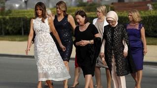 Muka Berubah-ubah, Melania Trump 'Digosipkan' Punya Tiruan