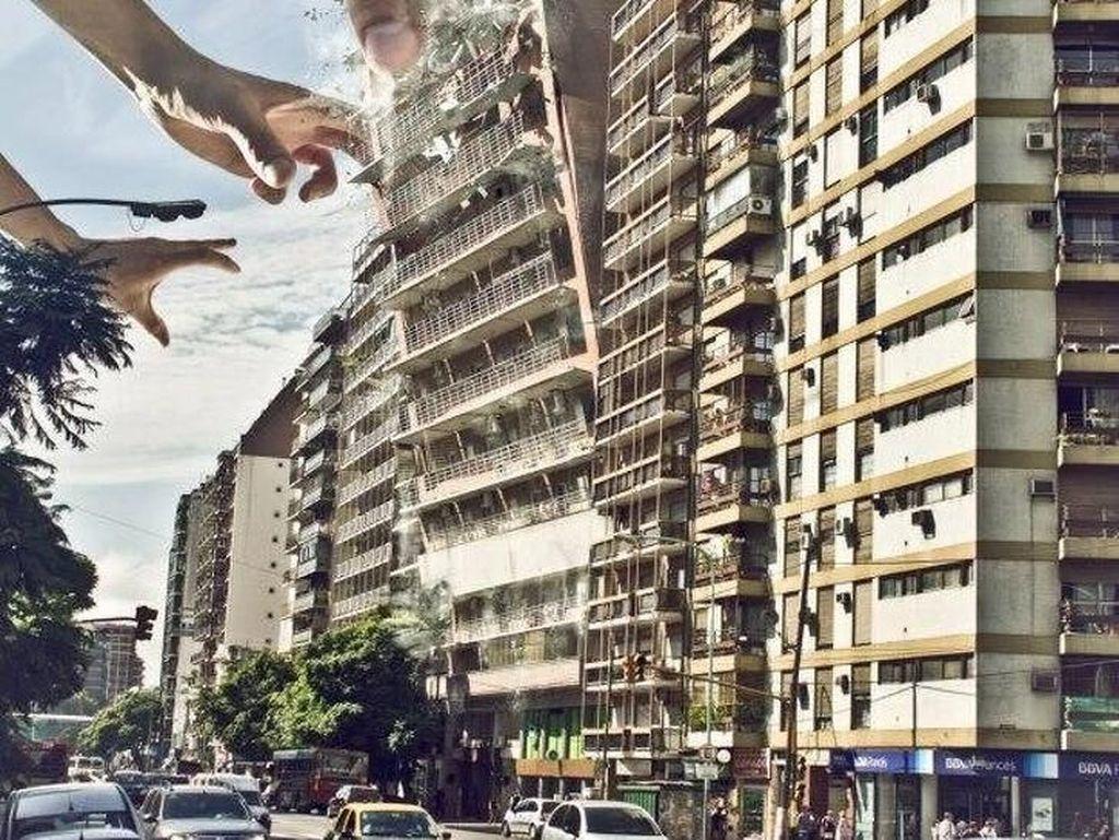 Mencengkram gedung. Foto: Martín De Pasquale