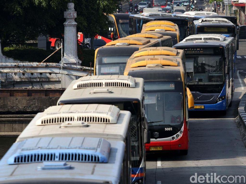 Pemerintah Provinsi DKI Jakarta menyediakan 1.500 bus Transjakarta untuk mendukung penyelenggaraan Asian Games 2018.