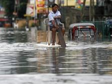 Banjir Besar Hantam China, Blokir Jalan dan Rel Kereta Api
