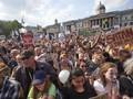 Ribuan Aktivis Gelar Protes Jelang Pertemuan Trump-Putin