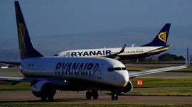 Hilang Tekanan Kabin, Penumpang Ryanair Alami Pendarahan