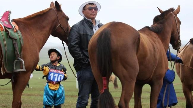 FOTO: Pacuan Joki Cilik Mongolia