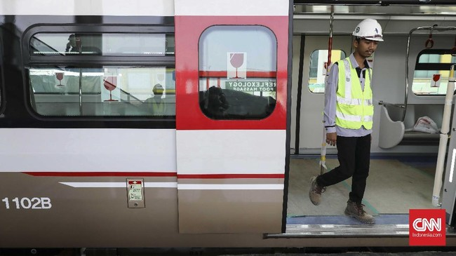 Satu set kereta akan terdiri dari dua gerbong, sehingga nantinya dapat menampung sekitar 260 penumpang. (CNN Indonesia/ Hesti Rika)