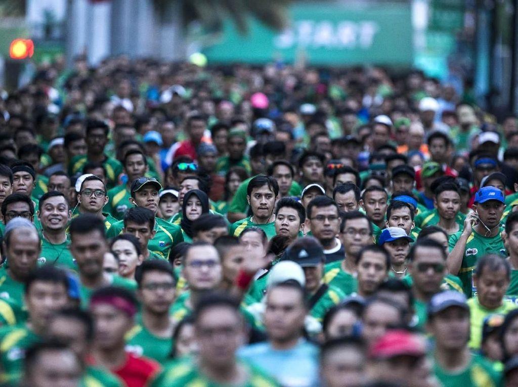 Pelari dari dalam dan luar negeri memeriahkan kejuaraan Milo Jakarta International 10K.