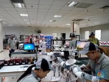 Live Now: Robotisasi Tebar Ancaman PHK 23 Juta Orang di RI