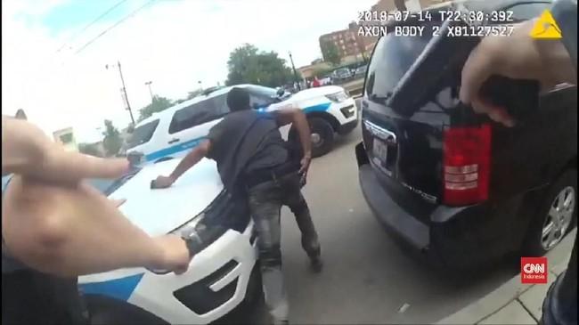 VIDEO: Polisi Chicago Rilis Video Tembak Mati Ditempat