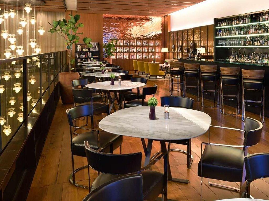 Terletak di wilayah Ginza, Tokyo, Bulgari La Terraza Lounge merupakanrestoran Bulgari terbesar di dunia. Lounge ini letaknya di lantai teratas Bulgari Ginza Tower.Foto: bulgarihotels