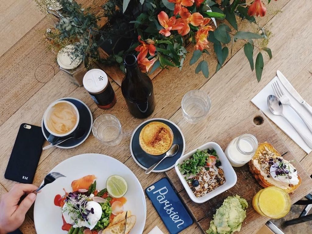 Quick brunch, tulis Lolita saat sedang berada di Sydney, Autralia. Lagi-lagi ia melakukan wisata kuliner di negeri kangguru itu. Foto: Instagram lolitaasugtine