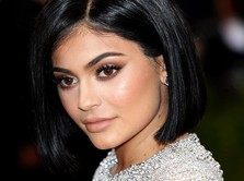 Kerajaan Bisnis Kosmetik Kylie Jenner Rp 11 T Bakal Bangkrut?