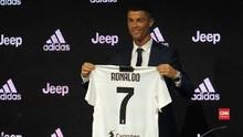 VIDEO: Cristiano Ronaldo Resmi Berseragam Juventus
