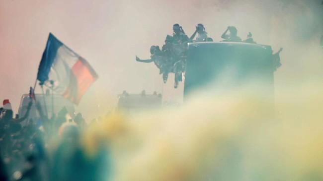 FOTO: Timnas Prancis Berpesta di Paris Usai Piala Dunia 2018