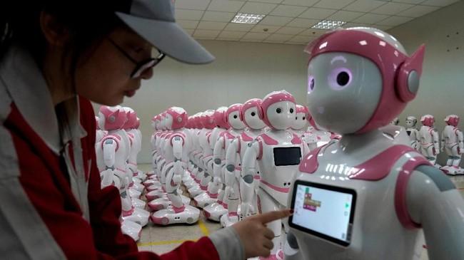 FOTO: China Besut Robot iPal untuk Teman Anak dan Lansia