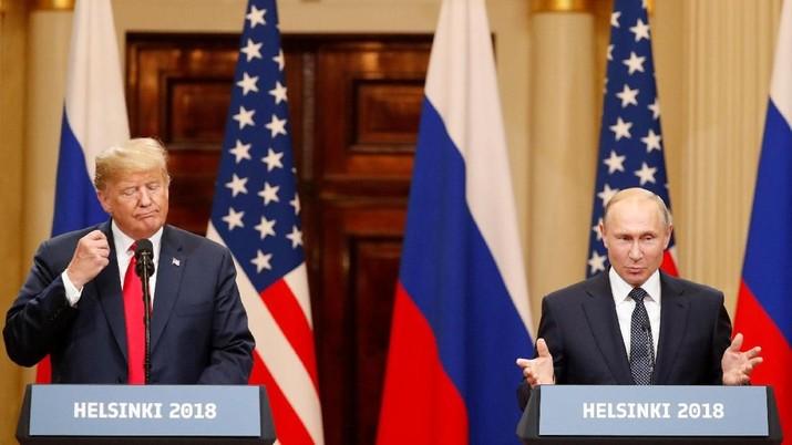 Trump sebut perang minyak membuat rugi negaranya.