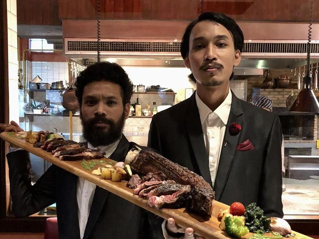 Ini Dia 8 Tempat Makan Enak di Bangkok Versi Duo Host Thailand Kocak!