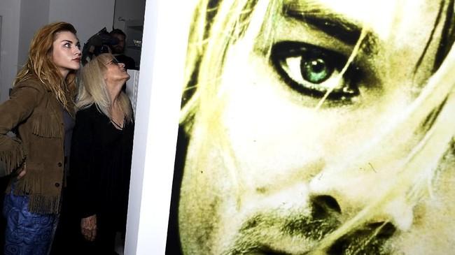 FOTO: Tumbuh Bersama Memorabilia Kurt Cobain 'Nirvana'