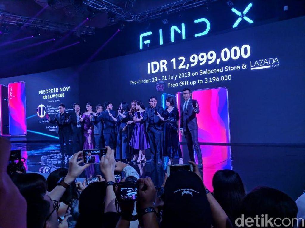 Di pasar Eropa, ponsel ini dijual seharga Rp 16 jutaan. Sementara di China jauh lebih murah, mulai dari Rp 10 jutaan. Lalu bagaimana dengan di Indonesia? Oppo membanderolnya seharga Rp 12,999 juta. (Foto: detikINET/Adi Fida Rahman)