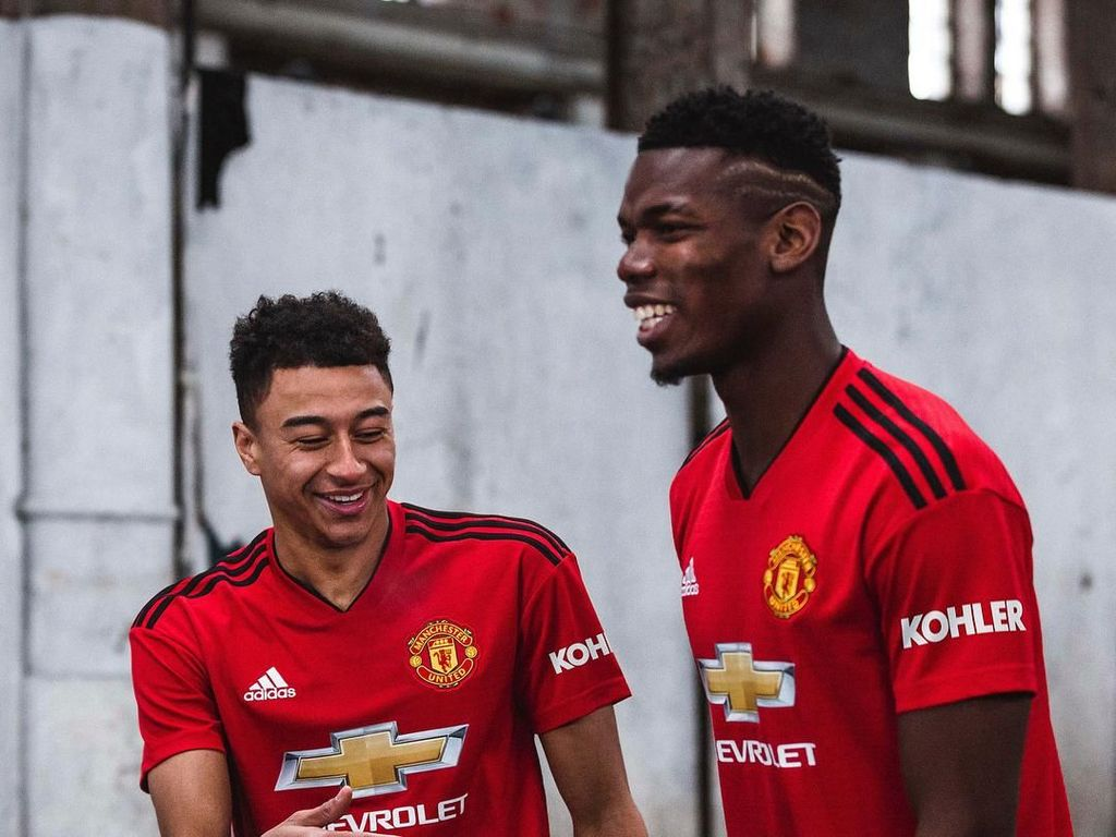 MU juga menggandeng Adidas sejak 2015 dan dikontrak sampai 2025. Setan Merah punya kontrak sebesar 75 juta pounds atau mencapai Rp 1,35 triliun. (Foto: Instagram @manchesterunited)