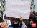 Barisan Para Emak dan Harga Ayam di Antara Jokowinomics