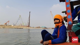 Warga Sempat Usir Kapal Tongkang di Tengah Reklamasi Pulau C
