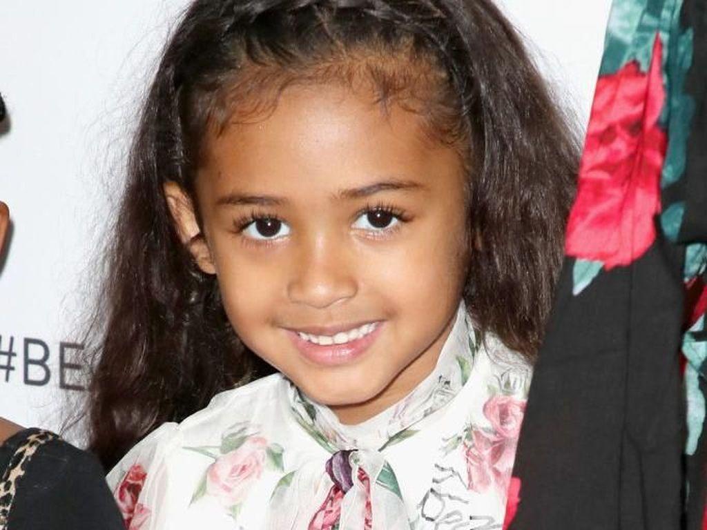 Gaya Rp 34 Juta Anak Chris Brown yang Baru 4 Tahun Pakai Busana D&G