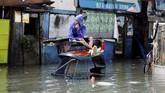 Pada sekitar 7.30 di Metro Manila, Bulacan, Bataan dan Batangas, peringatan hujan tingkat kedua tertinggi pun diterapkan. (REUTERS/Erik De Castro)