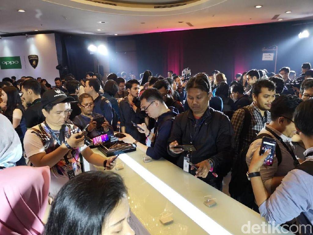 Puluhan media dan fans oppo termasuk detikINET menjajal perangkat terbaru Oppo ini. (Foto: detikINET/Muhammad Alif Goenawan)