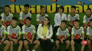 VIDEO: Tampil Perdana Remaja Thailand usai Terjebak di Gua