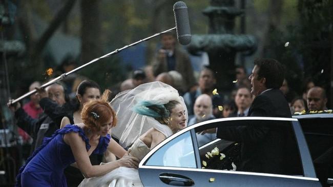 Dua film 'Sex and the City' ia lakoni, beradu akting dengan Sarah Jessica Parker dan aktor Chris Noth. Kalau ia berdandan, adalah untuk tampil beraksi di depan kamera. (REUTERS/Brendan McDermid)