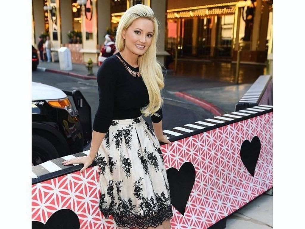 Potret Holly Madison, Model Cantik yang Depresi Jadi Pacar Bos Playboy
