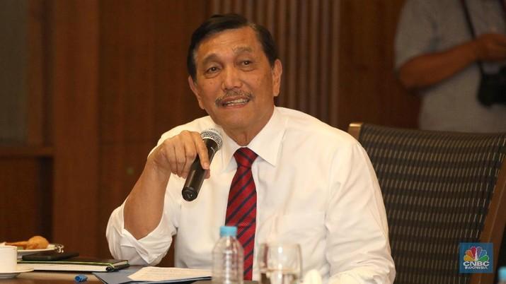 Menko Kemaritiman Luhut Binsar Pandjaitan saat berkunjung ke Transmedia, Kamis  (19/7/2018). (CNBC Indonesia/ Andrean Kristianto)
