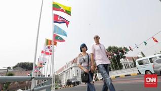 Anies Minta Gedung Tiru Warga Pemasang Bendera Asian Games