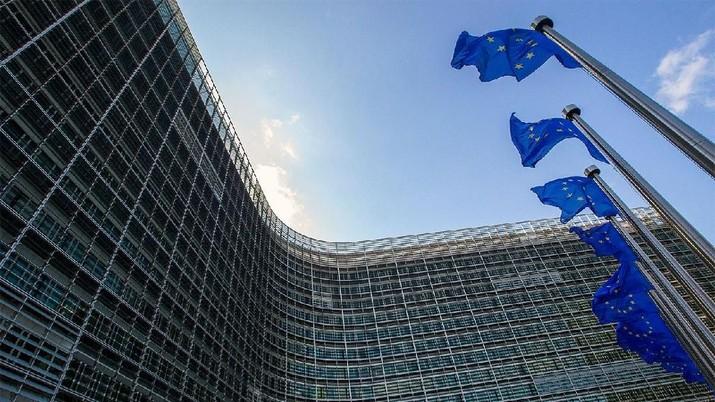 Eurostat mengatakan berdasarkan pembacaan awal, PDB di 19 negara anggota UE tercatat tumbuh 0,4% secara kuartalan di periode tiga bulan pertama tahun ini.