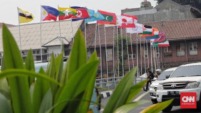 Bungkam Netizen, Sandi Undang Pemasang Bendera Asian Games