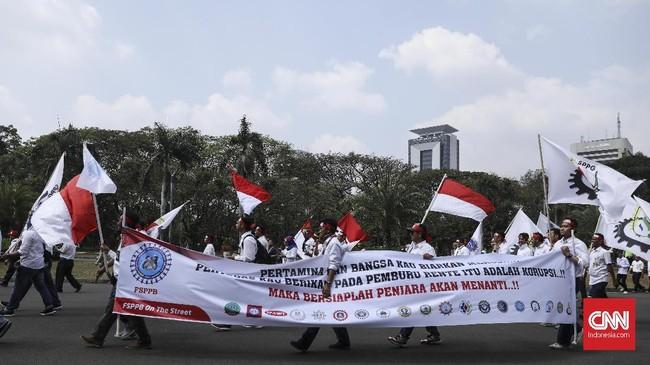 Terkait aksi ini,PT Pertamina telah menjamin operasional di sektor hulu dan hilir tak akan terkendala akibat aksi demo oleh FSPPB pada Jumat, 20 Juli 2018.(CNN Indonesia/ Hesti Rika)