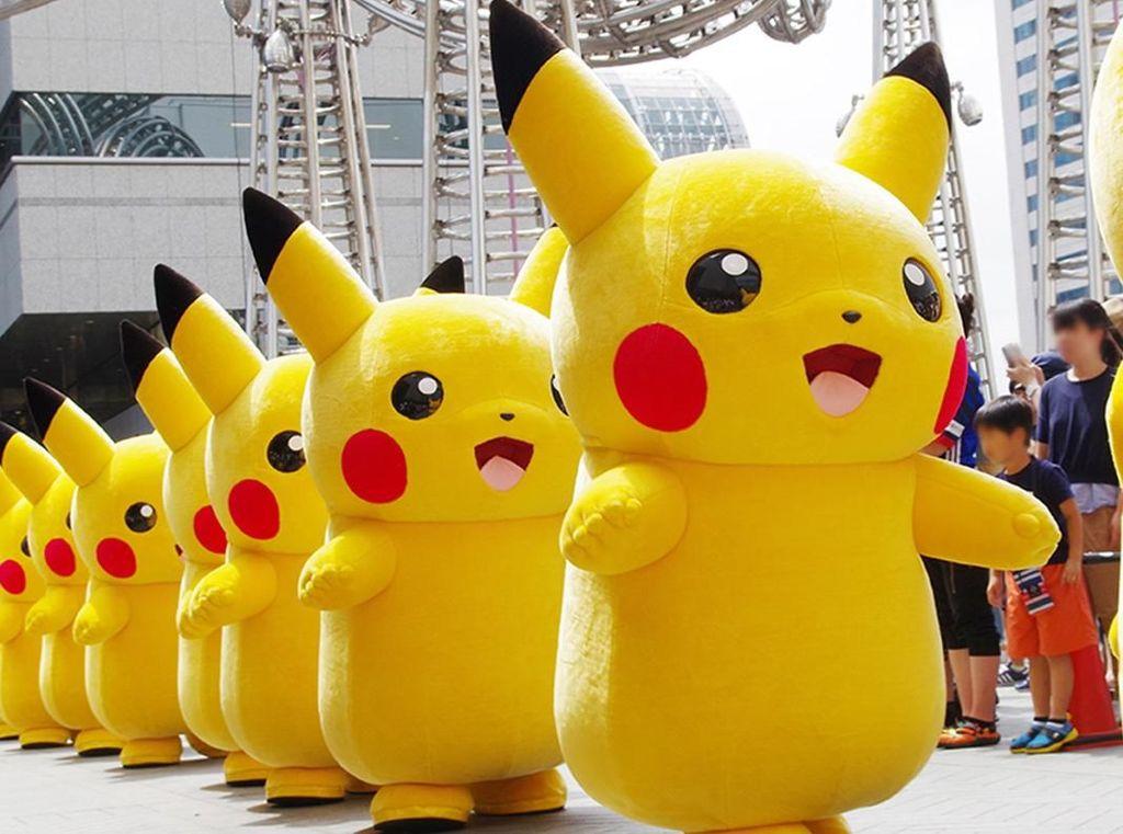 Gemas! Pikachu & Eevee Kompakan Mau 'Serbu' Yokohama