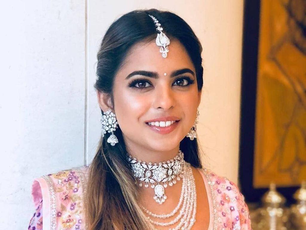 Intip Mewahnya Dessert di Pesta Jelang Pernikahan Putri Orang Terkaya Asia
