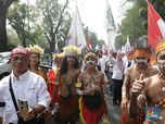 Pakai Pakaian Adat, Karyawan Pertamina Papua Berdemo