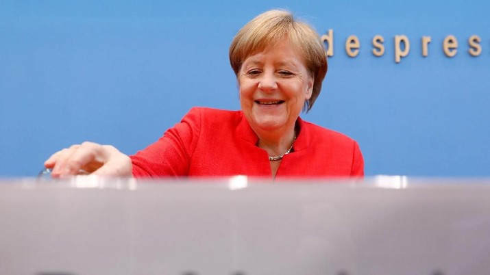 German Chancellor Angela Merkel holds the annual summer news conference in Berlin, Germany, July 20, 2018. REUTERS/Michele Tantussi