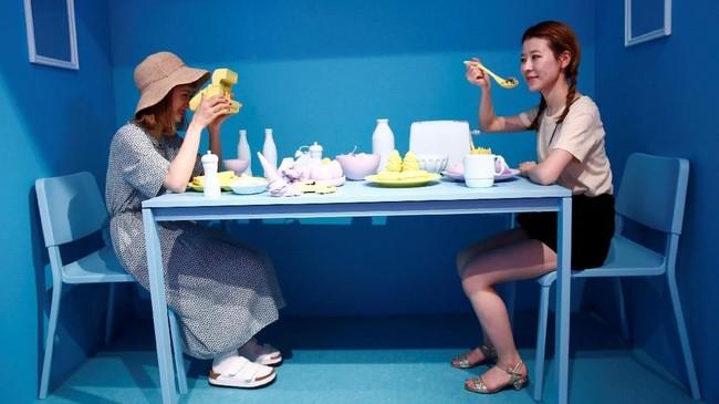 Untuk masuk museum yang hanya dibuka 21 Juli hingga 2 Agustus mendatang itu, pengunjung dikenai biaya 1.800 sampai 2.800 Yen (Rp235 ribu sampai Rp364 ribu). (REUTERS/Kim Kyung-Hoon)