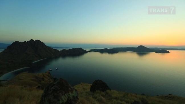 VIDEO: Jelajah Tiga Pulau di Taman Nasional Komodo