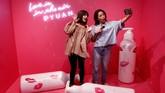 Museum itu dipenuhi karya seni yang memang didesain agar atraktif dan fotogenik. (REUTERS/Kim Kyung-Hoon)