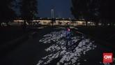 Monumen Pembebasan Irian Barat yang ada di Lapangan Banteng kini dikelilingi kolam air mancur dan undakan bagai amphitheater. (CNN Indonesia/Adhi Wicaksono)