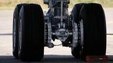 Roda pendaratan pesawat Airbus Beluga XL dirancang bisa menahan beban hingga 125 ton. REUTERS/Regis Duvignau
