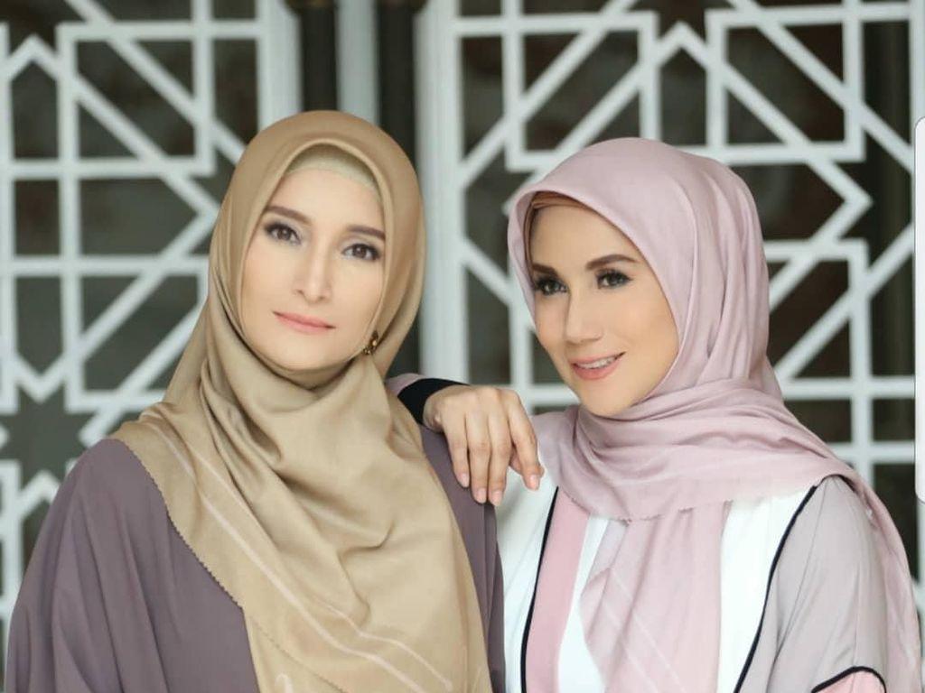 Sisterhood Banget! Gaya Kompak Ineke Koesherawati dan Marini Zumarnis