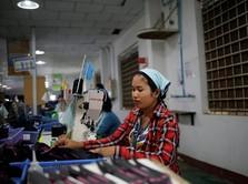 Ternyata Jokowi Kaget Tahu Pabrik Sepatu Adidas Lakukan PHK