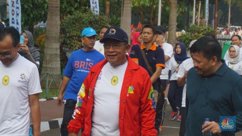 Menteri Koordinator Bidang Perekonomian Darmin Nasution pada pagi hari ini bersama dengan jajarannya merayakan ulang tahun Kemenko Perekonomian yang ke 52.