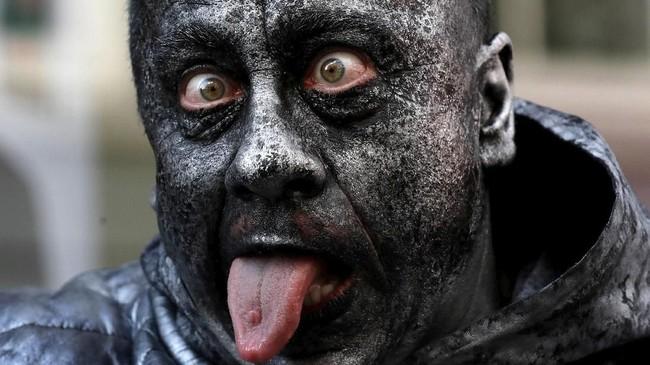 Patung-patung hidup 'menguasai' Belgia akhir pekan lalu. (REUTERS/Yves Herman)