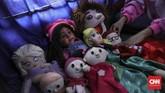 Sasha mulai belajar olah seni suara perut saat usia 9 tahun dengan Bapak Ventriloquist Indonesia, Gatoet Soenjoto. (CNN Indonesia/ Hesti Rika)